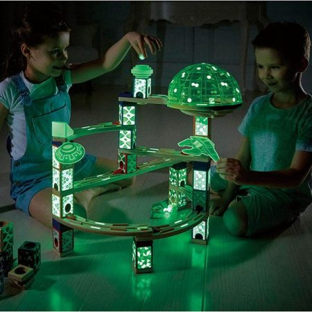 quadrilla-fa-golyopalya-space-city-urallomas